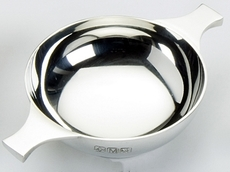 "Traditional Pewter Plain Quaich (4"" bowl)"