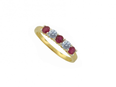 9ct Gold Claw Set Ruby & Diamond Set Five Stone Ring