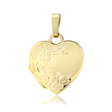 9ct Gold Heart Shaped Locket Pendant Necklace